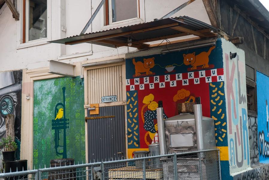 Der bunte Eingangsbereich des «Langstrassenkultur», Foto: Artemisia Astolfi