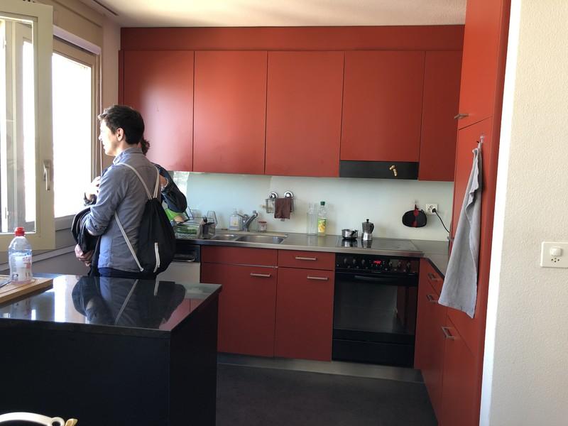 Die Küche wurde renoviert, ansonsten hat sich nicht viel verändert im Hardau-Hochhaus.