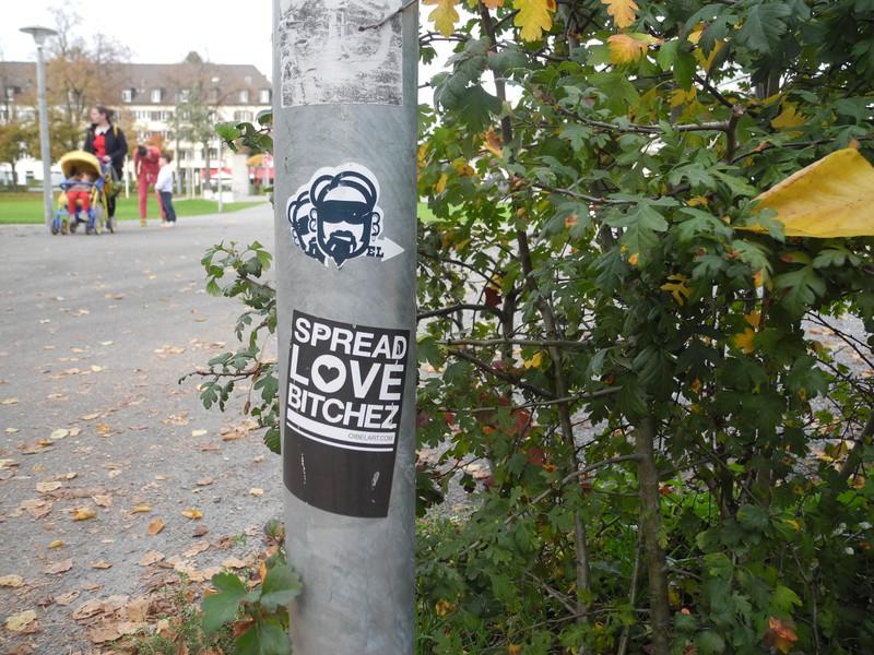 Der Link auf dem Sticker führt zur Webseite des Zürcher Künstlers Oibel 1