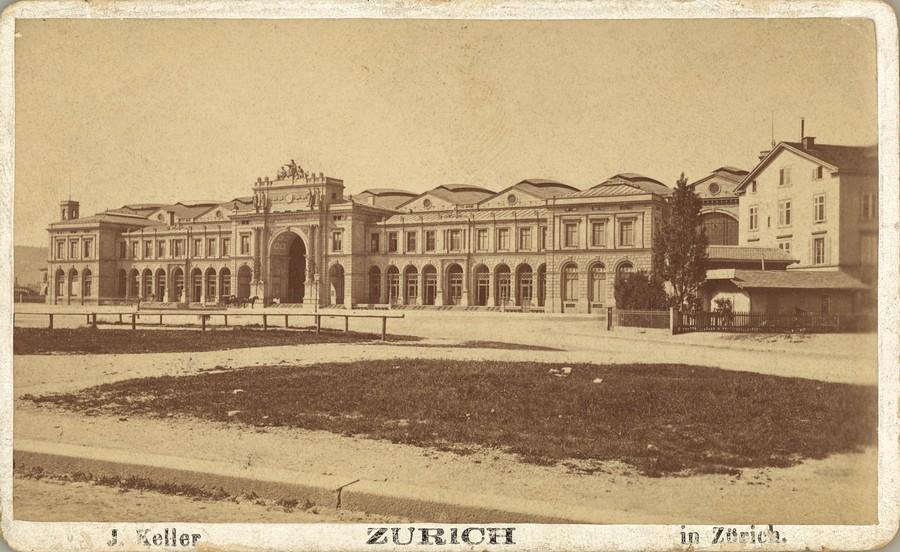 1871-1883: Bahnhofsplatz ohne Escher. Quelle: ETH Bildarchiv