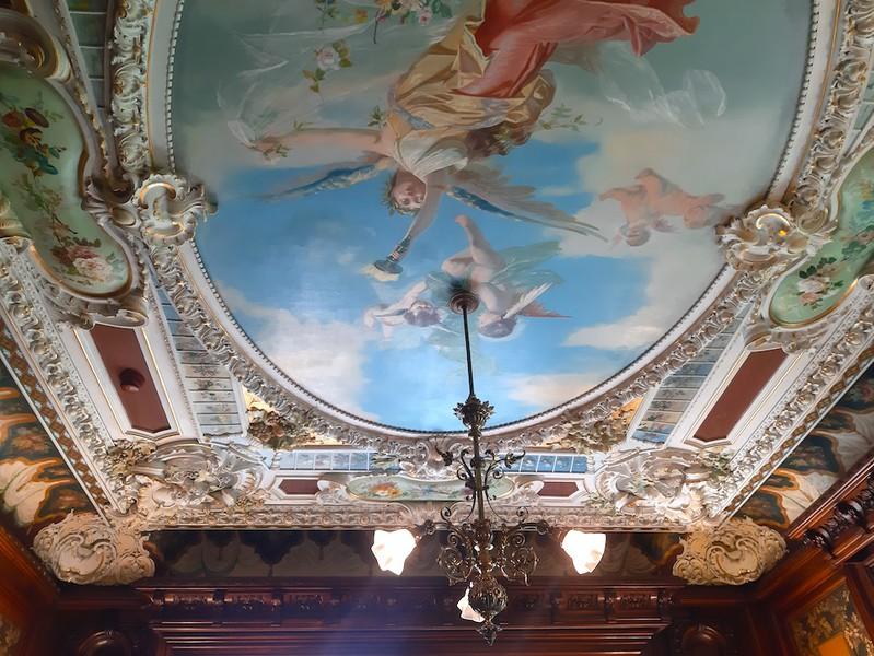 Die Innenarchitektur ist im Stil des Historismus gestaltet und vereint Elemente aus verschiedenen Epochen. (Bild: Monique Ligtenberg)