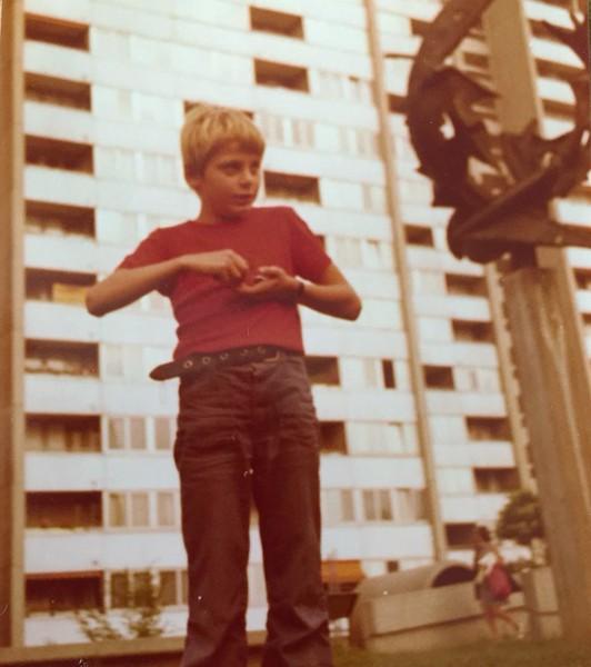 Mein Vater 1974 im Innenhof des Locherguts. (Bild: Thomas Reber)