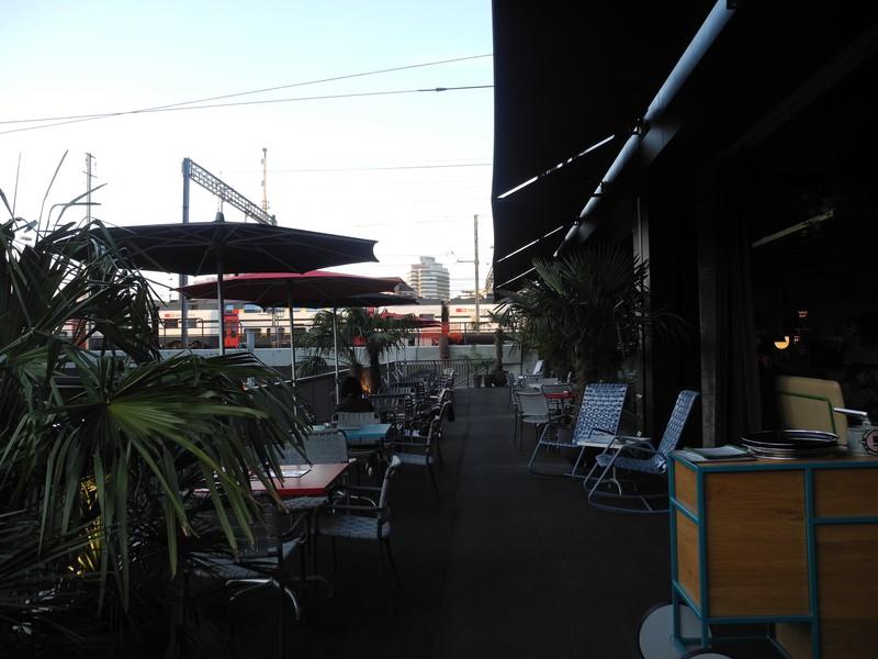 Der Aussenbereich der Cinchona Bar.