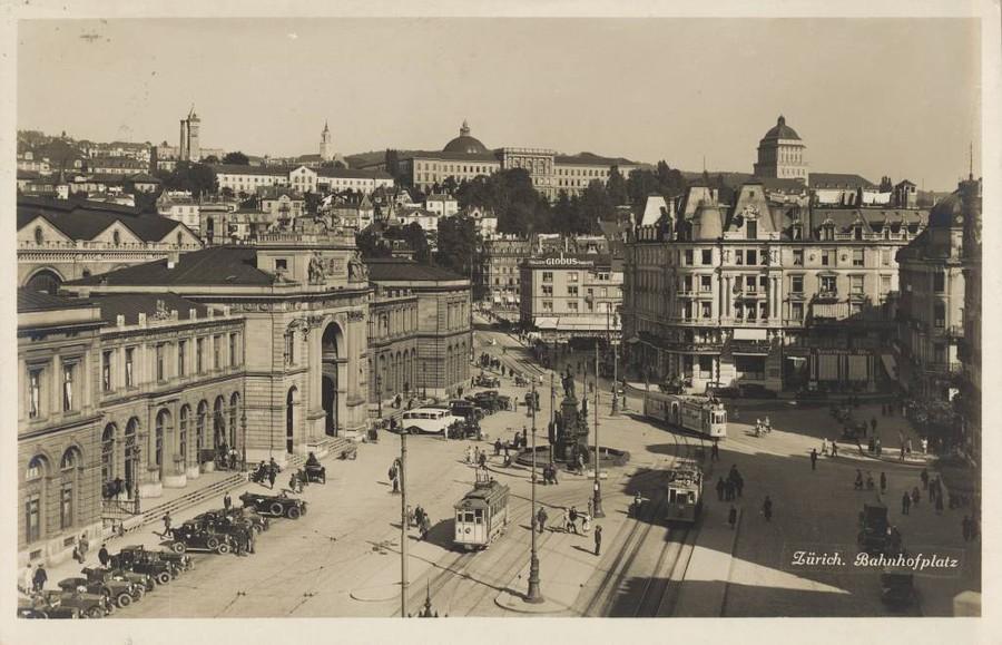 1922-1930: Bahnhofsplatz mit Verkehr. Quelle ETH Bildarchiv