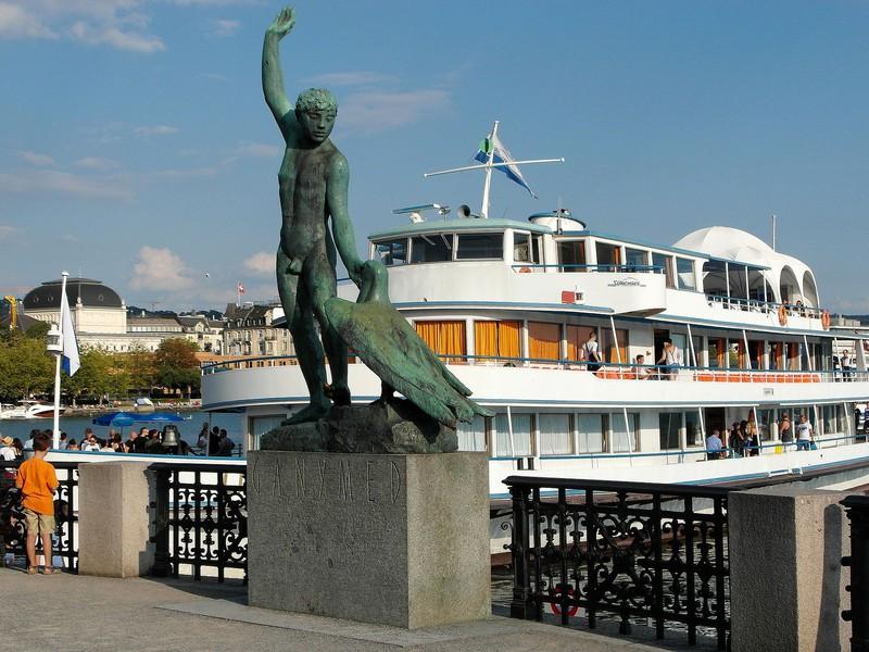 Ganymed mit noch mehr Touristen um 2012