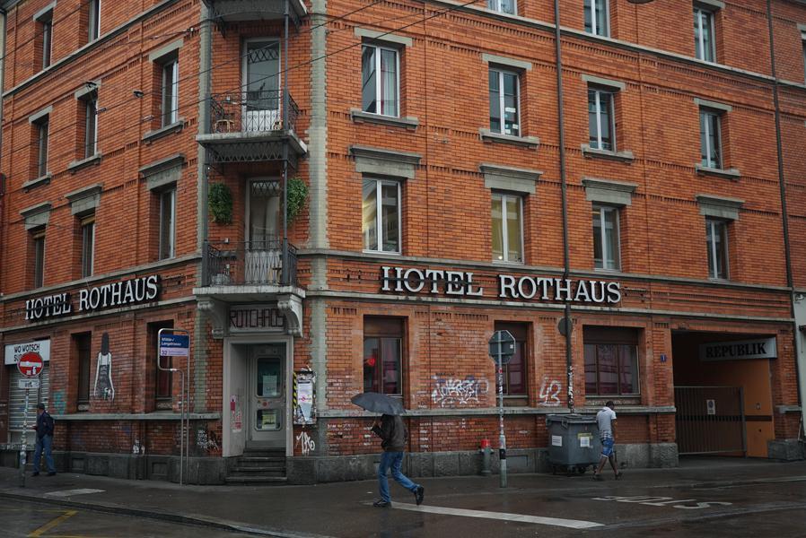 Das ehemalige «Hotel Rothaus» ist heute eine beliebte Party-Destination, Foto: Artemisia Astolfi