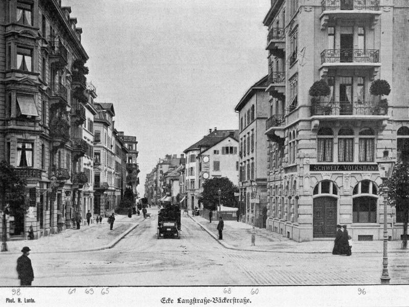 Die Bäckerstrasse im Jahr 1909 (Quelle: Baugeschichtliches Archiv der Stadt Zürich/Creative Commons BY-SA 4.0)